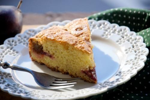 polenta plum cake slice